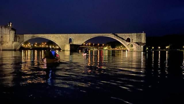 Avignon / Vaucluse - Canoë-Kayak                                                     Sport Canöe Nocturne